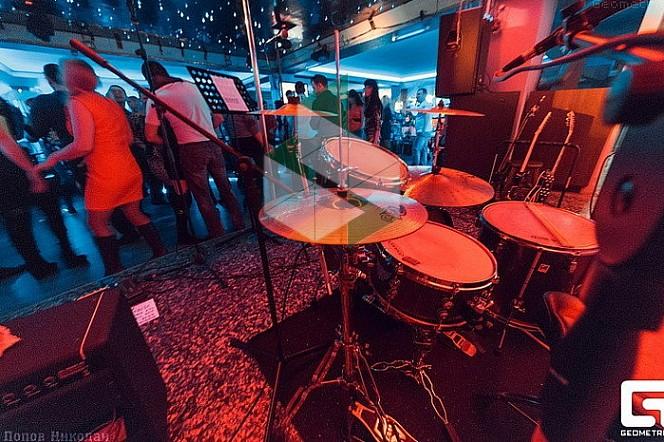 Ночные клубы новокузнецк ночной клуб для мужчин петербурга
