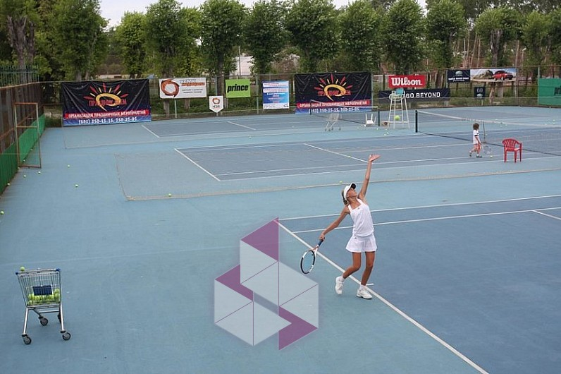 Школа тенниса на бакинских комиссаров