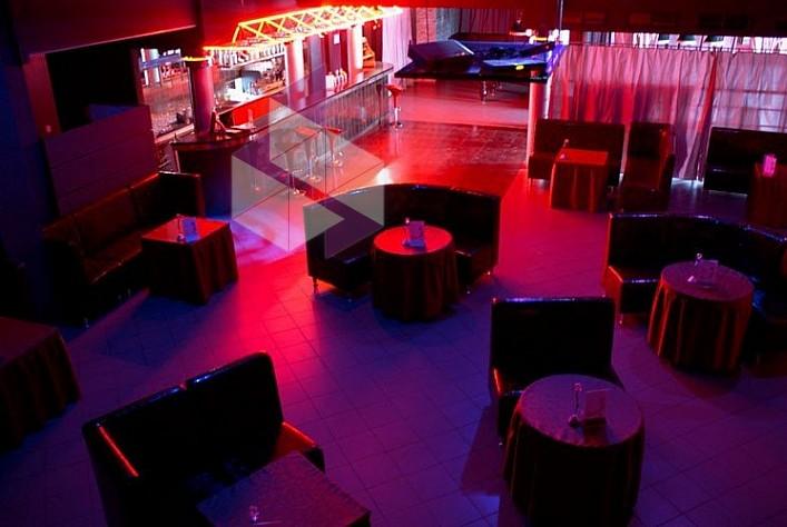 Стриптиз бар в кузьминках фитнес клуб на римской москва