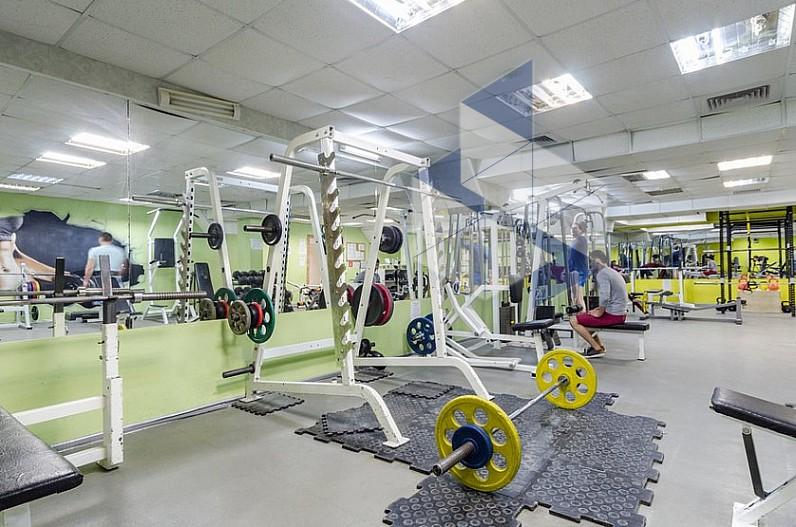 Фитнес клуб атлетик новогиреево