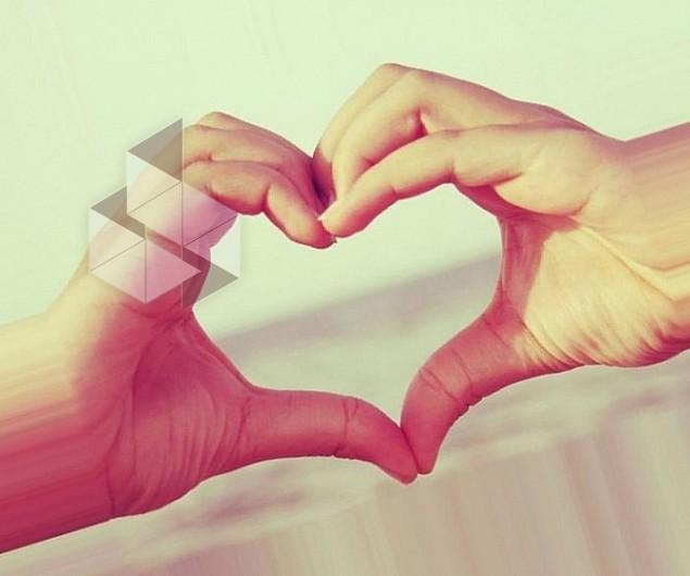 Как сделать из пальцев рук сердце 693